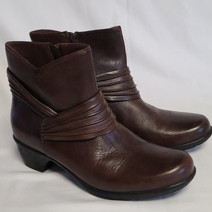 Clarks Bendables Brown Boots women's size 9.5